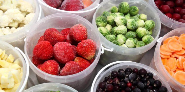 Как заморозить фрукты, ягоды, овощи и грибы