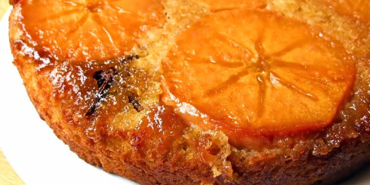 Пирог лимонный с хурмой